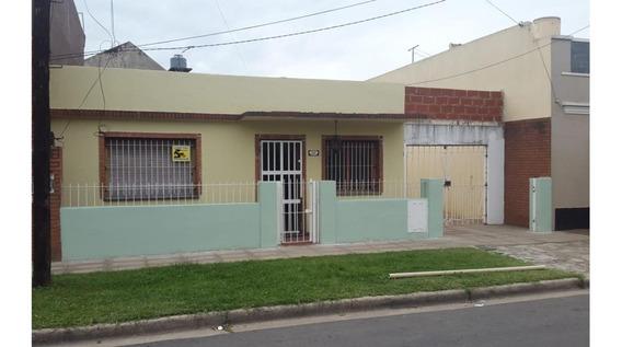 Casa En Alquiler En Ramos Mejía Sur