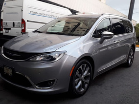 Chrysler Pacífica Limited 7 Pasajeros Color Plata 2018