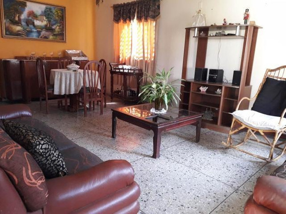Casa En Venta Centro De Coro Cod-19-14036 04246254310