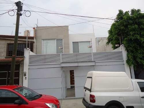Casa Como Nueva, Amplia Con Diseño, Acabados Y Seguridad