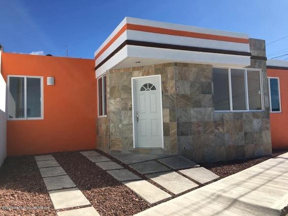 Casa En Venta En Pachuquilla, Mineral De La Reforma, Rah-mx-20-2834