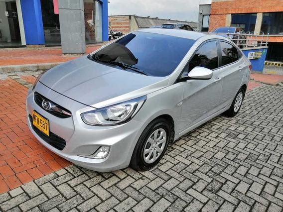 Hyundai Accent Gl 1.6cc At 2013