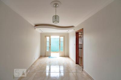 Apartamento No 1º Andar Com 2 Dormitórios E 2 Garagens - Id: 892906836 - 206836
