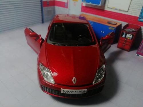 Renault Laguna Coupe, Carro A Escala 1:32