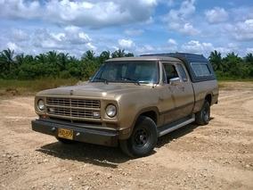 Dodge 100 Club Cab 1979 Y Dodge Dart 1979 Familiar.