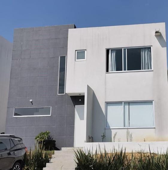 Casa En Renta En Zona Esmeralda