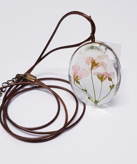 Maxi Colar Com Mini Flores Sempre Vivas Encapsulada Em Vidro
