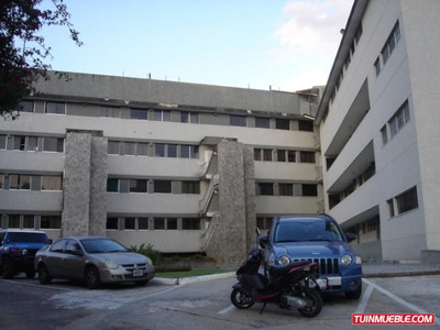 Código # 814 Apartamento En Alquiler Colinas De Bello Monte.