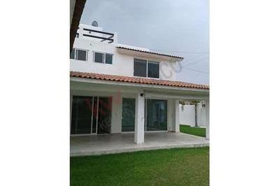 Amplia Casa En Renta 4 Recamaras, Alberca En Villas Del Mesón Juriquilla