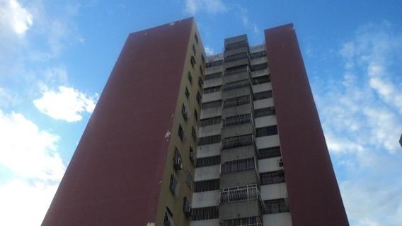 Apartamento En Venta Barquisimeto Zona Oeste Mls 20-2006 Rbl