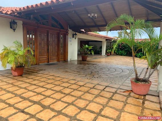 Casa En Venta En La Lagunita, Tipuro