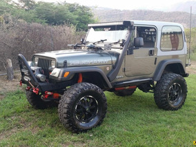 Jeep Wrangler Sport 4x4 - Sincronico