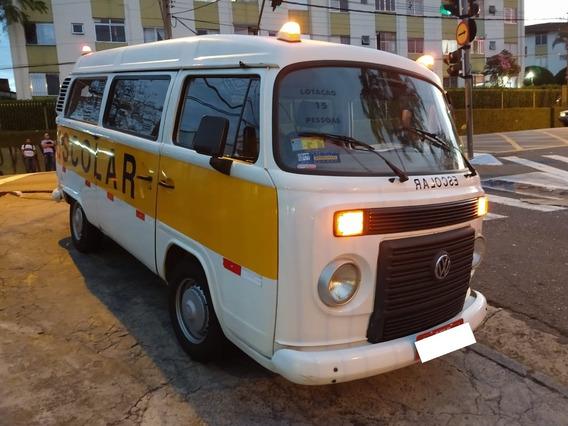 Volkswagen Kombi 2012 - 15 Lugares