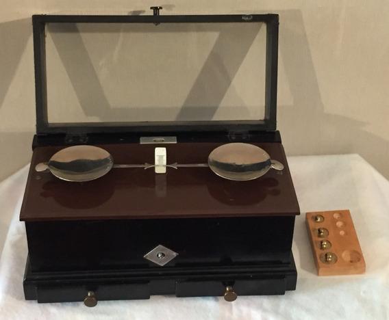 Balanza Antigua De Colección Para Joyeria Y Laboratorio