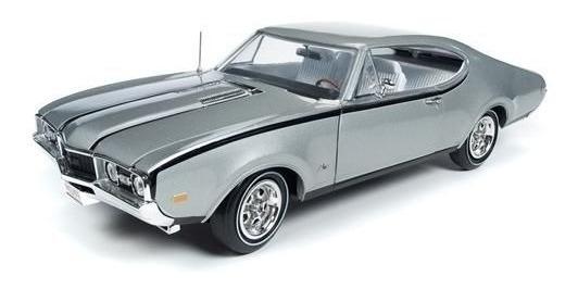 Oldsmobile Cutlass 1968 50th Anniversary 1:18 Autoworld