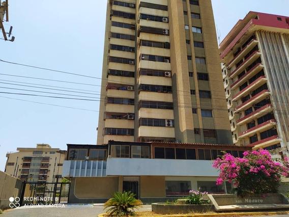 Apartamento En Venta Sector Valle Frío En Maracaibo 29650