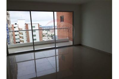 Apartamento En Venta Altos De Riomar 486-687