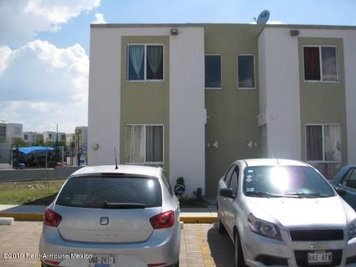 Casa En Venta En Paseos Del Maques, El Marques, Rah-mx-20-378