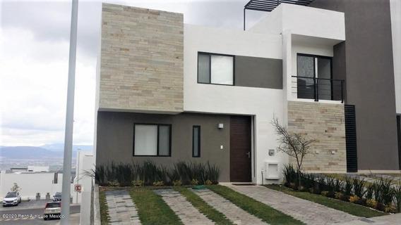 Casa En Renta En Zibata, El Marques, Rah-mx-20-940