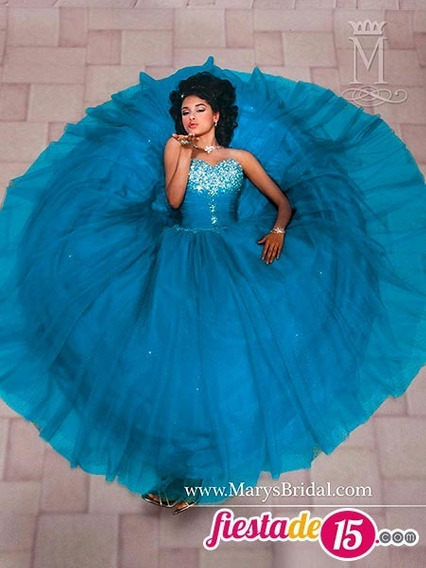 Vestido De Quinceaños Azul Con Hermosa Decoracion
