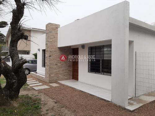 Casa A Estrenar En Playa Mansa- Ref: 6678