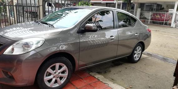 Nissan Versa 2013 Full Equipo