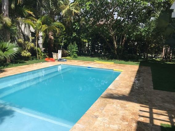 Venta De Villa En Punta Cana Village