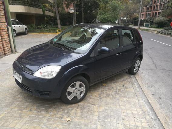 Ford Fiesta 1.6 Año 2005/ Ac