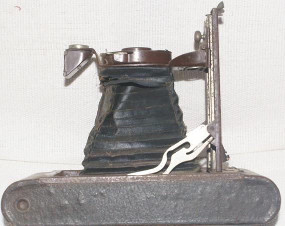 Câmera Antiga Kodak, De Fole,antigüiedade,relíquia De Museu