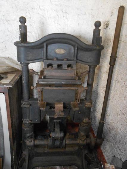 Maquina Antiga Tipografica