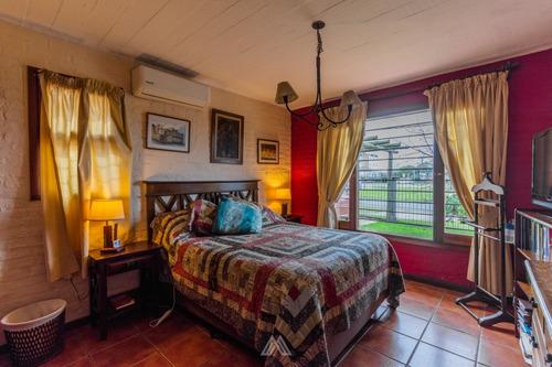 Venta De Casa De 3 Dormitorios En Barra De Carrasco