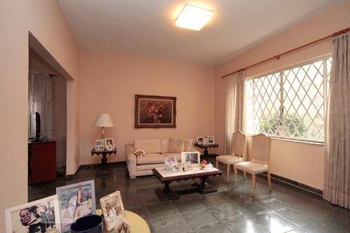 Casa À Venda - Pacaembu, 3 Quartos,  250 - S893129002