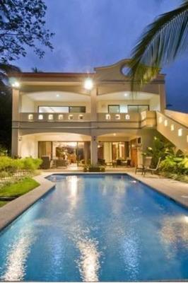 Casa En Excelente Ubicación De Acapulco Con Alberca