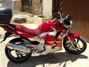 Yamaha Fazer 250 Vermelha