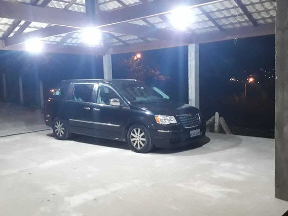Chrysler Town & Country 3.8 Limited 5p 2008