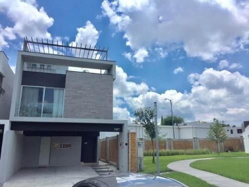 Casa En Venta En Lantana Residencial Monterrey