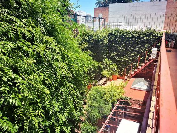 Casa En Venta Castillo Al 800, Villa Crespo. Terraza Y Patio!