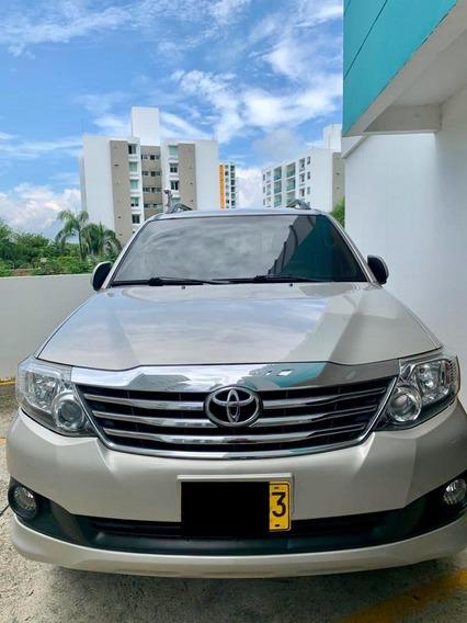 Toyota Fortuner Urbana Motor 2.7 2014 Beige 5 Puertas