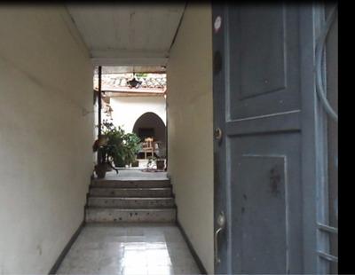 Casa Antigua En El Centro De Santa Rosa