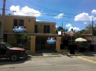 Casa 2 Pisos, 3 Recamaras, Piscina, Local Comercial, En Calle De Afluencia Vehicular