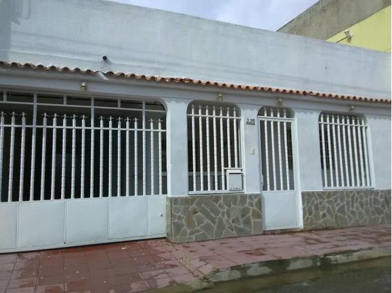 Casas En Venta 04166437900