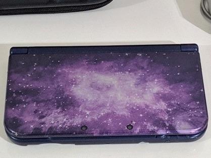 New Nintendo 3ds Xl Lindo + 32gb Com Muitos Jogos + Brinde