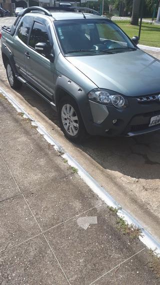 Fiat Strada 1.8 16v Adventure Cab. Dupla Flex 3p 2015