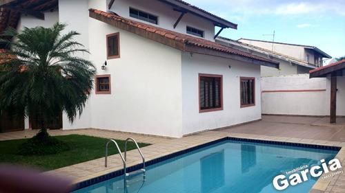 Imagem 1 de 22 de Casa Térrea Com 3 Dormitórios E Piscina Em Peruíbe - 6090 - 69806411