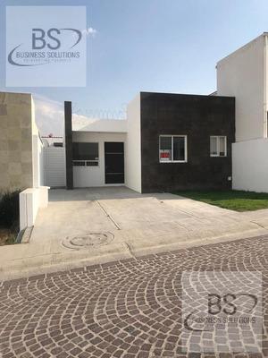 Casa En Renta En Cumbres Del Lago, Juriquilla, Queretaro De 1 Planta