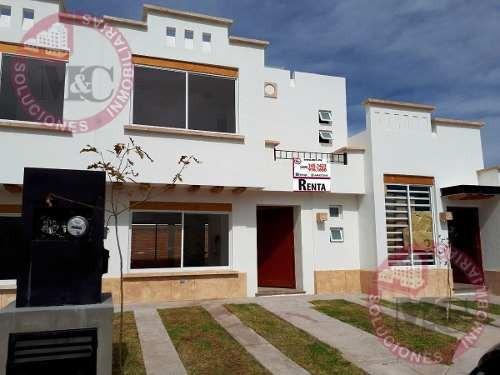 Casa En Renta En Bosques Del Paraiso, Al Norte, Ags.