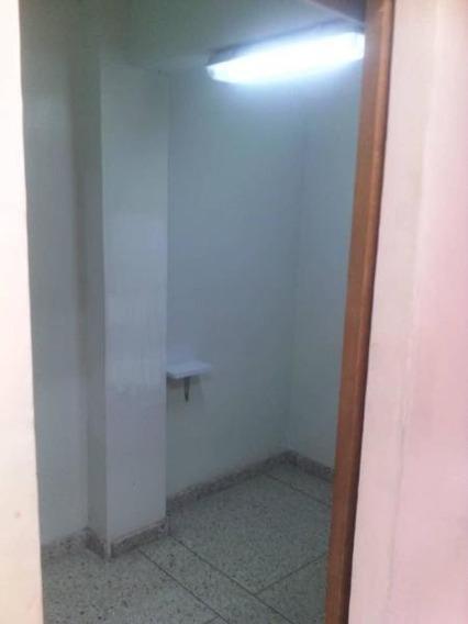 Local En Alquiler Centro Barquisimeto 20-2213 Ecm