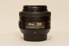 Câmera Nikon D7200 + Lente 35mm 1.8