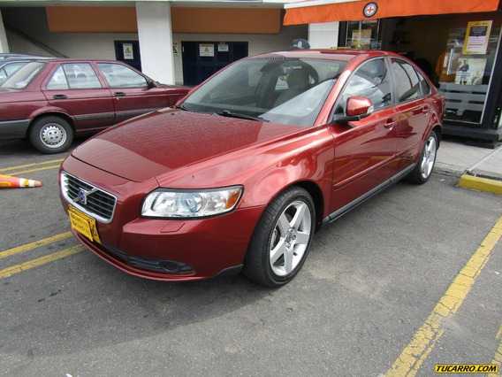 Volvo S40 S40 Deluxe At 2.0