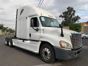 Remato Tractocamion Freightliner Cascadia 2010 Impecable